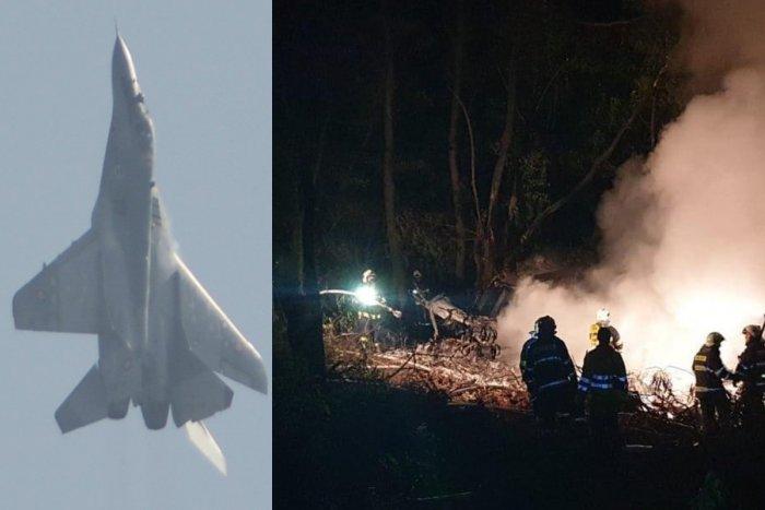 Skúsenému pilotovi vraj došlo palivo. Chyba v scenári?