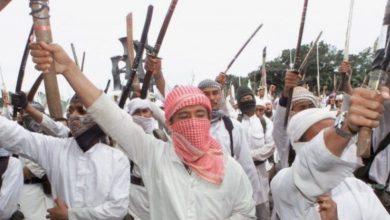 Photo of Muslim uřízl čtrnáctileté dceři hlavu srpem. Proč? Protože Islam.