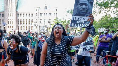 Photo of Chaos v USA dál narůstá. Policista byl zastřelen výstřelem do hlavy během nepokojů v Las Vegas