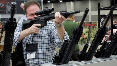 Photo of Jasná odpověď bílých američanů na požadavky lůzy zrušit policii: Vykoupeny všechny zbraně v Arma & Gun shopech!